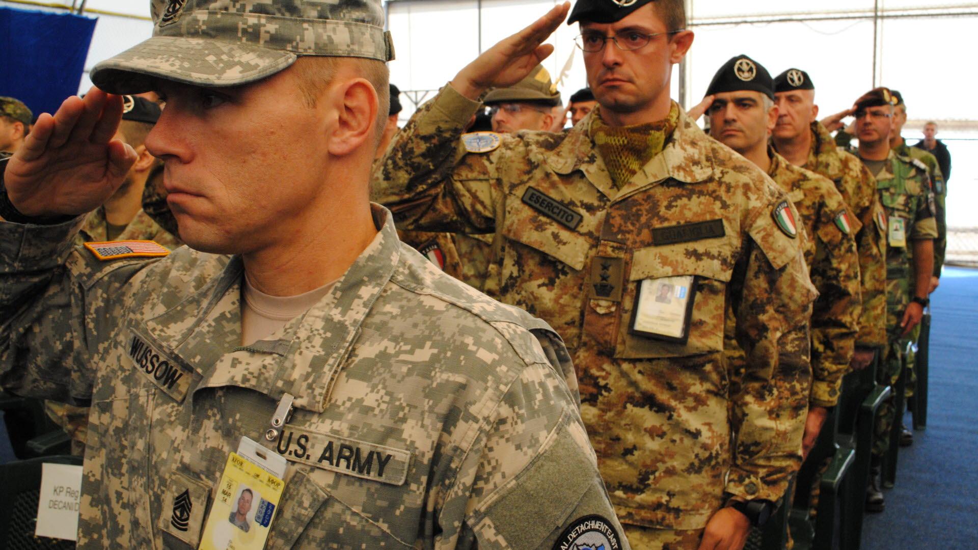 Svenska soldater kvar i bosnien