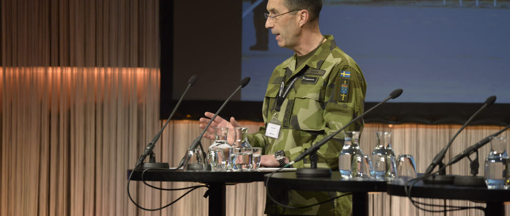 The Supreme Commander comments on the report of the Government Defence Commission
